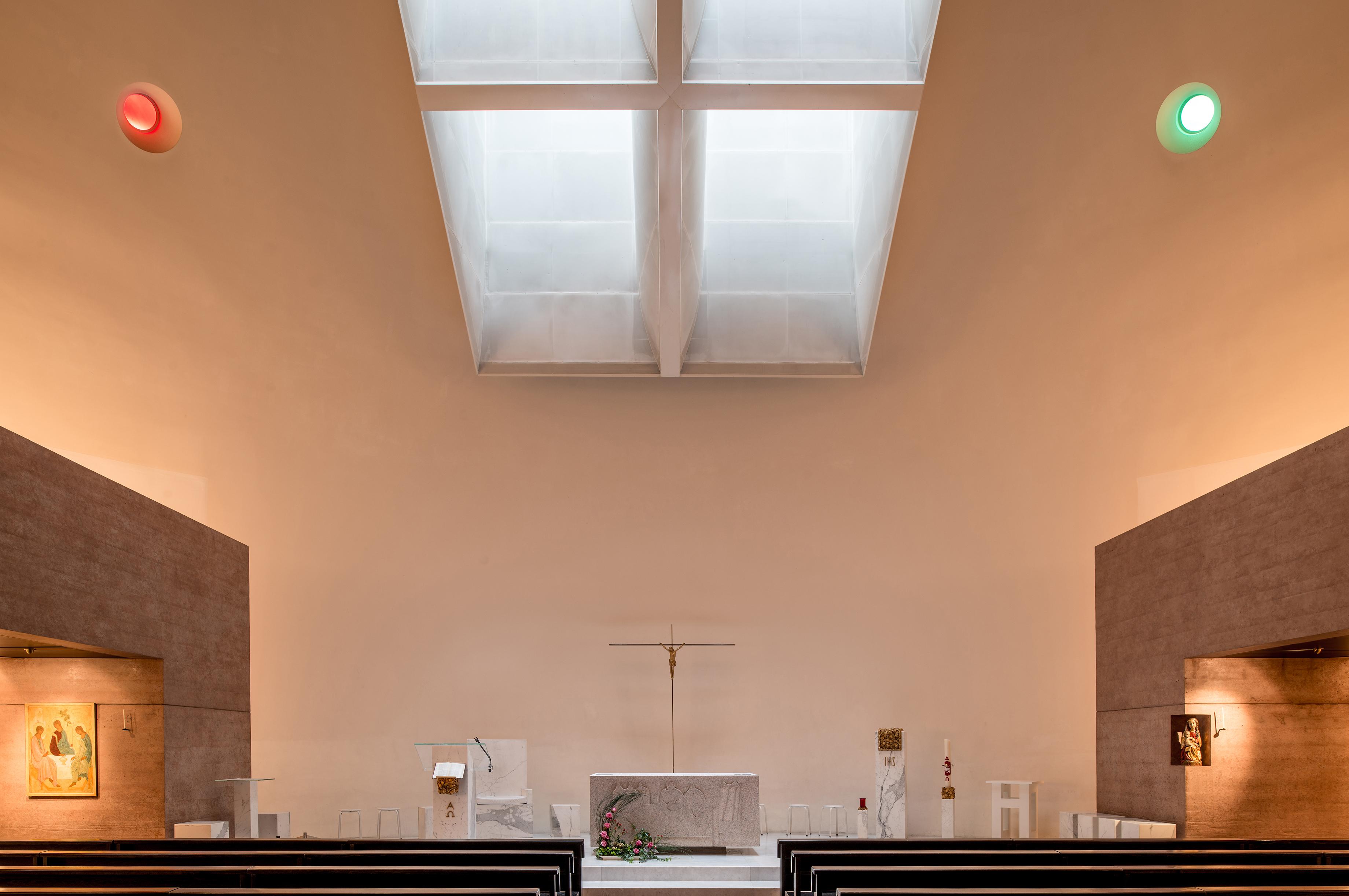 Eglise Ste Trinite interieur